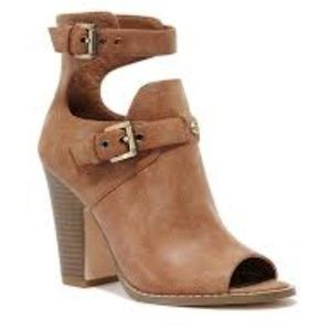 G By Guess GGisteria Peep Toe Ankle Boot 8.5M